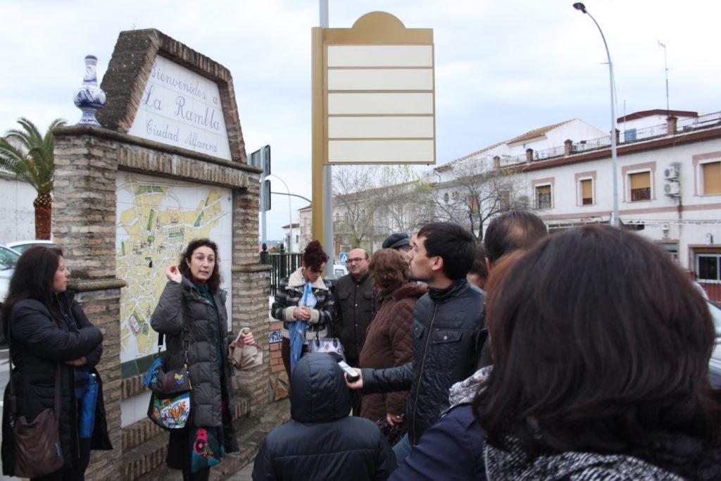 Rutas turisticas sobre la cerámica de La Rambla dentro del programa de arte contemporáneo APTITUDES